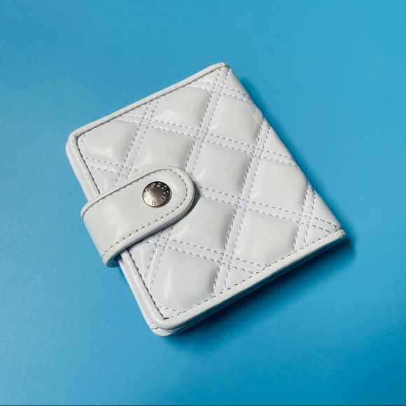 Authentic Marc by Marc Jacobs White Leather Wallet